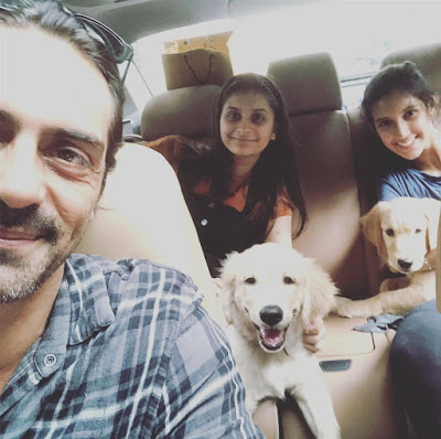 Arjun Rampal wih Daughters