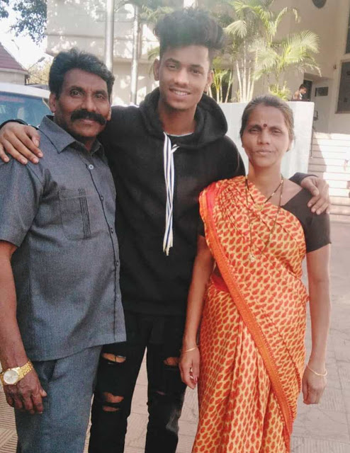Chetan Salunkhe With his parents