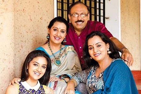 Keethy Suresh with family