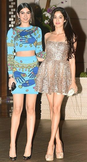 Jhanvi Kapoor with her sister Khusi Kapoor