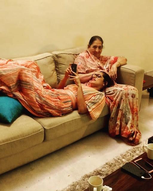 Kubra with mother Yashmin
