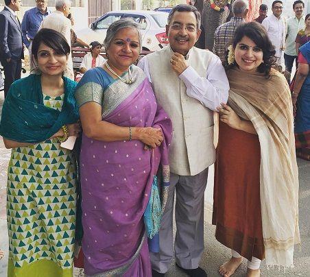 Vinod Dua family