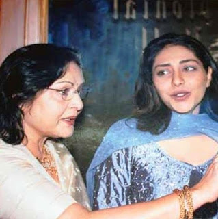 Meghna Gulzar with rakhee