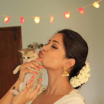 nivetha loves Cats