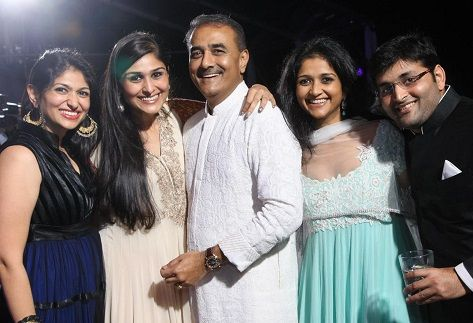 Poorna Patel With Family