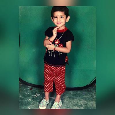 Priya Varrier childhood Photo
