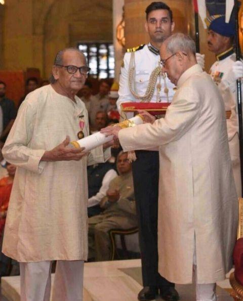 Ram Sutar receive Padma Bhushan Award