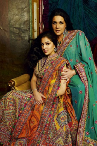 Sara Ali Khan with mother Amrita