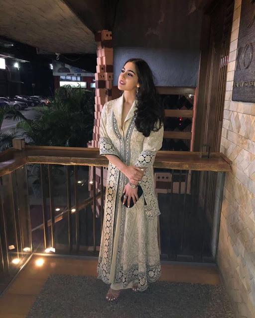 Sara Ali Khan Appearance