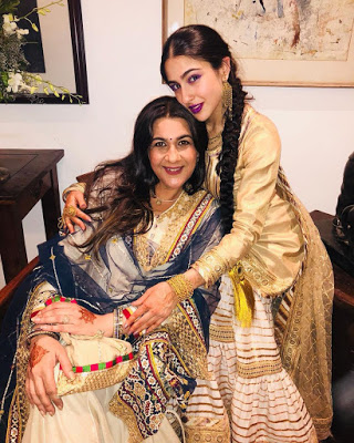 Sara Ali Khan with Arita Singh mother