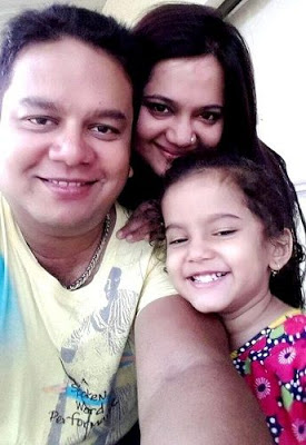 Sonakshi Save with her Parents