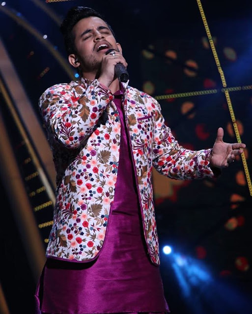 Vibhor Parashar singing