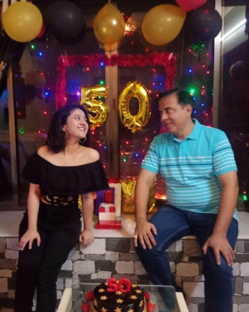 Shriya Sharma with her father