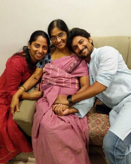 Nani with his mother and sister